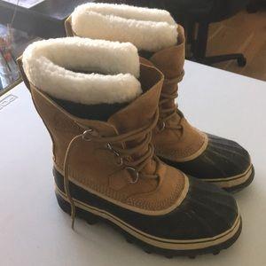 Sorel Caribou Winter Boots Women's 9. Like new!!